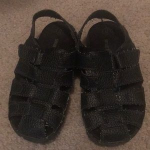 sandal new excellent conditions at a good price